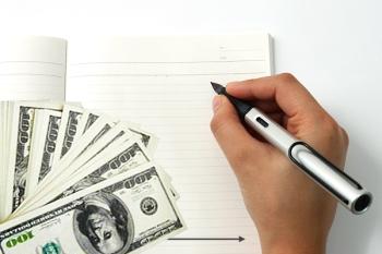 деньги под проценты в долг знакомым расписку