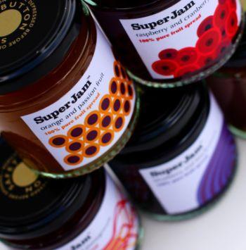 Технология бренда SuperJam - производить 100% фруктовый джем.